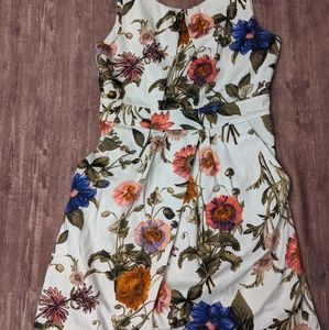 Floral structured floral dress with pockets